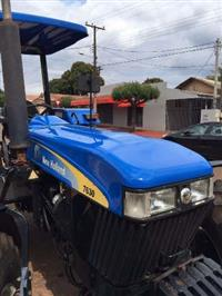 Trator New Holland 7630 4x2 ano 13