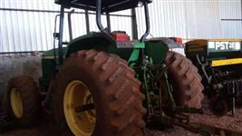 Trator John Deere 6600 4x2 ano 00