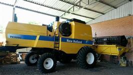 Colheitadeira Agrícola, Marca New Holland, Modelo 5090, ano 2010, completa.