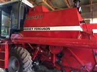 Colheitadeira Agrícola, Marca Massey Ferguson, Modelo 3640, ano 1986, gabinada
