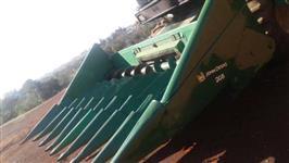 Plataforma de Milho, Marca John Deere, Modelo 8x0,50cm, ano 2006, toda revisada e reformada.
