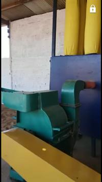 Maquina de triturar coco babaçu