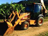 Retroescavadeira Case 580M 4x4 Cabinada 2014