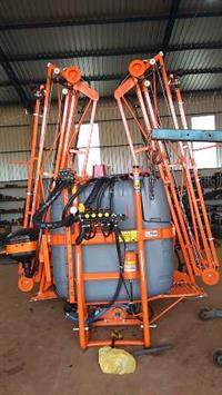 Vendo pulverizadores novos e usados e barras hidráulicas e elétricas!