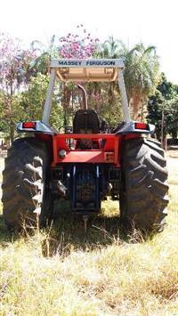 Trator Massey Ferguson 650 4x4 ano 01