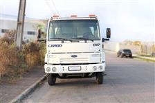 Caminhão Ford C 1317e ano 05
