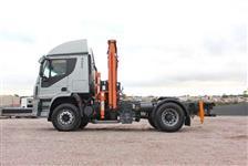 Caminhão Iveco 450E33T ano 11