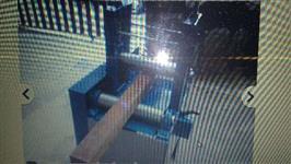 Máquina desentortar batente portas