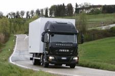 Caminhão Volvo FH 440 ano 14
