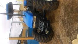 Trator Ford/New Holland TL85E 4x2 ano 04