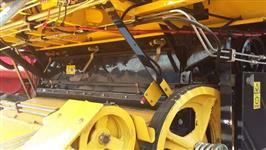 COLHEITADEIRA TC 5070 N H MUITO CONSERVADA ANO 2011 COM CABINE TRANSM HYDRO