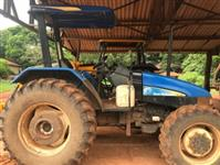 Trator New Holland TL 75 E 4x4 ano 13