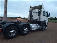 Caminhão Volvo FH 380 ano 03