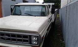 Caminhão Ford F 4000 ano 89