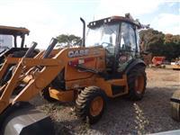 Retro escavadeira Case 580 N 4x4 cabinada ano 2015