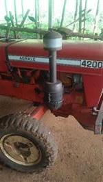 Trator Agrale 4200 4x2 ano 78