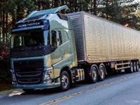Caminhão Volvo  ano 15