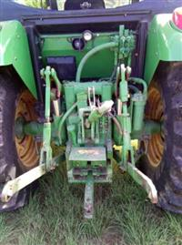Trator John Deere 6110 J 4x4 ano 11