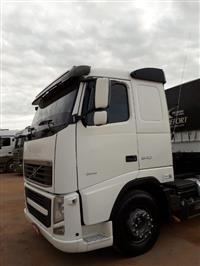 Caminhão Volvo VOLVO FH540 6X4 ano 13