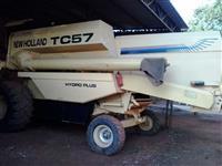 vendo colhedora TC57 ano 2000
