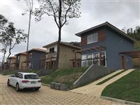 Permuto casa em Petropolis-RJ por fazenda região de Juiz de Fora/ Tres Rios