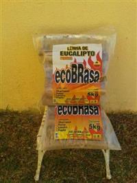 Lenha de eucalipto embalado em 5 quilos
