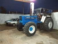 Trator New Holland 4x4 ano 01