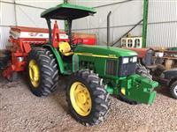 Trator John Deere 5603 4x4 ano 09