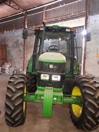 Trator John Deere 6110 J 4x4 ano 15