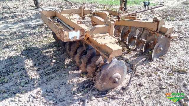 Trator Cbt 2105 4x2 ano 83