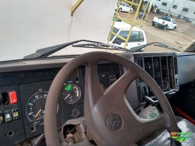 Caminhão Mercedes Benz (MB) 2038 (Axor 440) ano 96