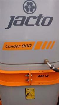 01 Pulverizador Jacto