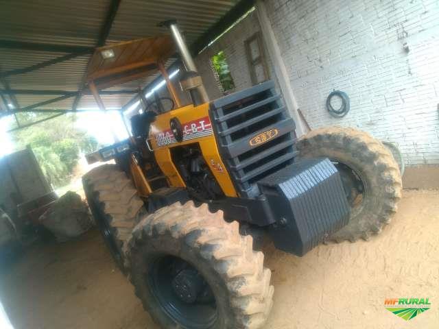 Trator Cbt 8060 4x4 ano 90