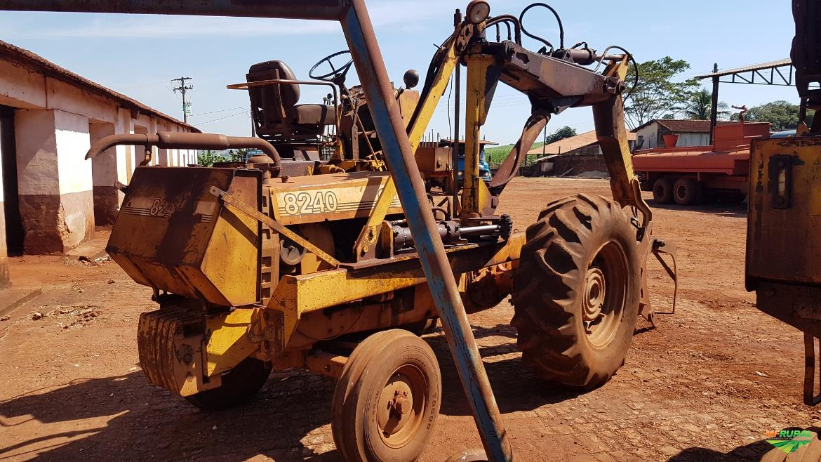 Trator Cbt 8240 4x4 ano 86