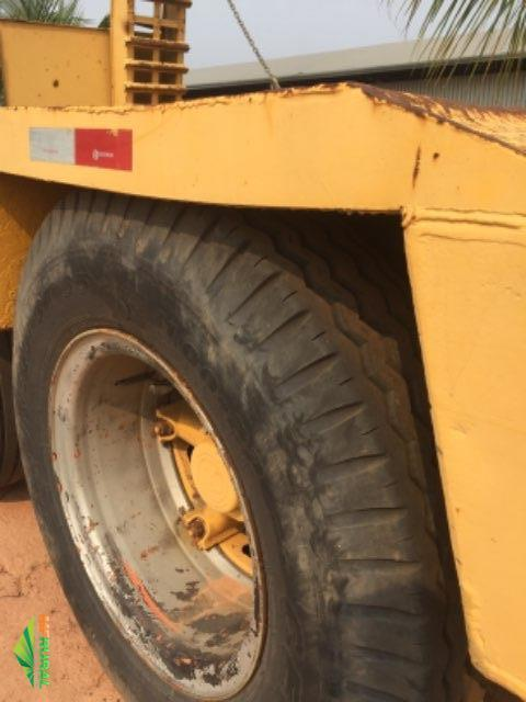 Caminhão Volkswagens 25-370 6x2 constelletion + escavadeira CASE CX220 ano 2010
