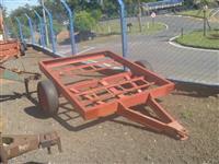 Chassi de duas rodas, medindo 1,60 de largura e 2,00 mt. de comprimento