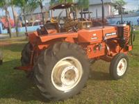 Trator Agrale 4300 4x2 ano 85