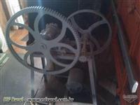 Moenda semi industrial com motor usada