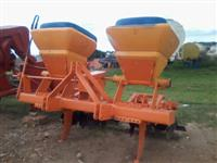 Cultivador adubador de cana DMB usado