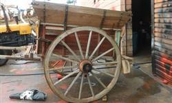 Carroção de café antigo, roda de ferro