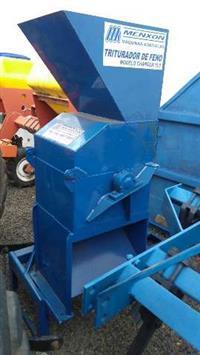 Triturador de feno Menxon modelo charger 15.0 usado, para tração trator