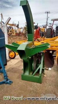 Triturador de milho / Picador de cana de hidráulico Jumil usado