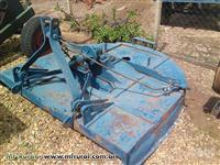 Roçadeira de hidráulico 1,50 mts arador, transmissão de pneu