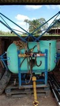 Pulverizador de barra montana 400L