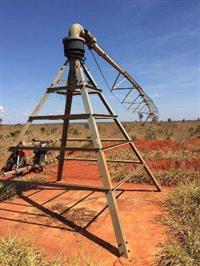 02 pivôs de irrigação carborumdum G2 ano 2001 mais pouco rodado