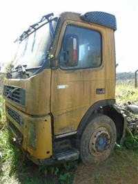 Caminhão Volvo FM 12 420 6x4T ano 05