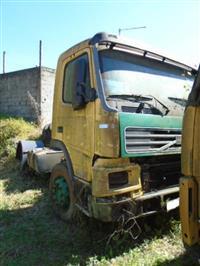 Caminhão Volvo FM 12 420 6x4T ano 03