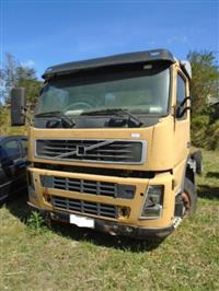 Caminhão Volvo FM 12 420 6x4T ano 04