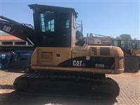 Escavadeira CAT 320D FM ANO 2014