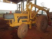 Trator Carregadeiras 2105 4x2 ano 83